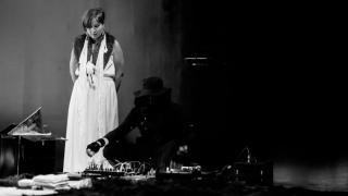 Alice Vogler and Vela Phelan _Obscurus_comoneo_(2015)  Photo by Nabeela Vega